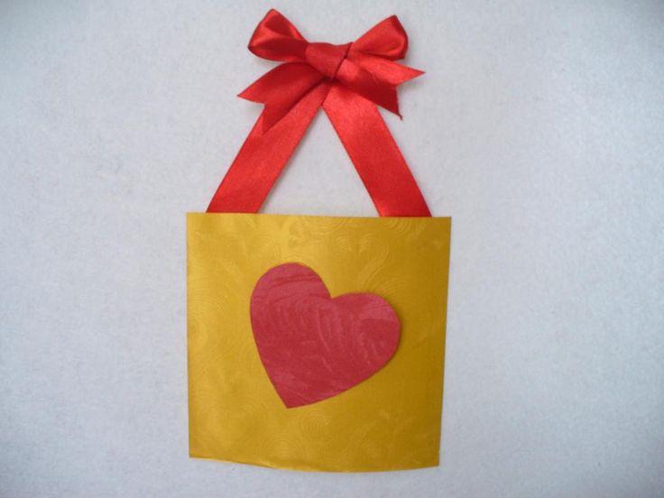 Valentines Crafts : DIY Valentine Decorations - Kids Crafts
