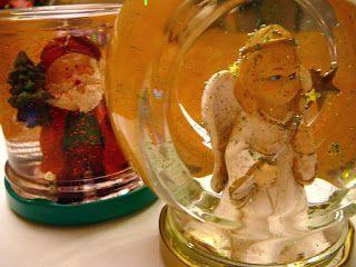 Hógömb készítése http://www.receptmuves.hu/2012/12/hogomb-keszitese-hazirag-rendhagyo.html #hogomb #snowglobe #winter #tel #karacsony #christmas #angel #angyal #santa #mikulas #diy