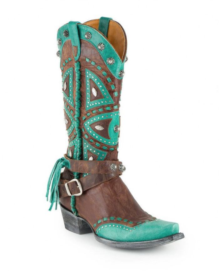 Hello boots! These turquoise and brown Old Gringo cowboy boots are so sassy.