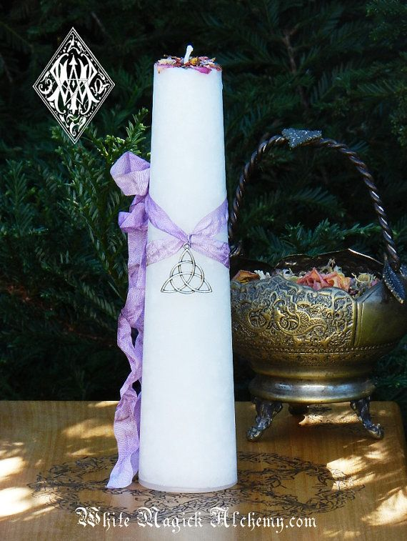 Hey, I found this really awesome Etsy listing at https://www.etsy.com/listing/221135030/trinity-goddess-triquetra-torch-light