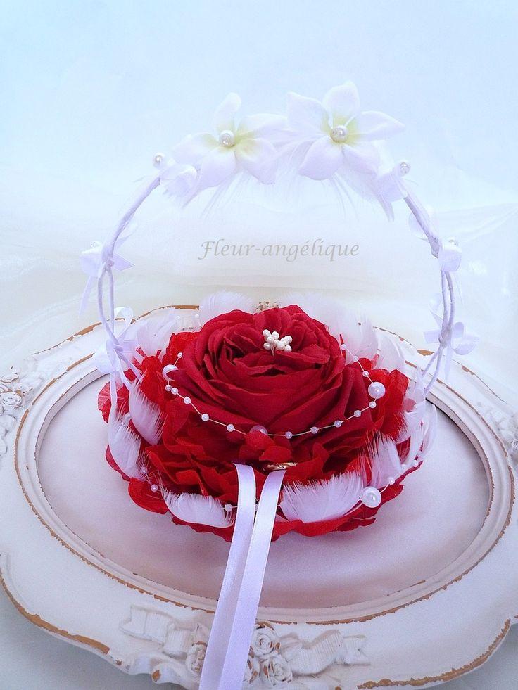 Porte alliance rose rouge jasmin plume perle fleur pour for Accessoire deco rouge