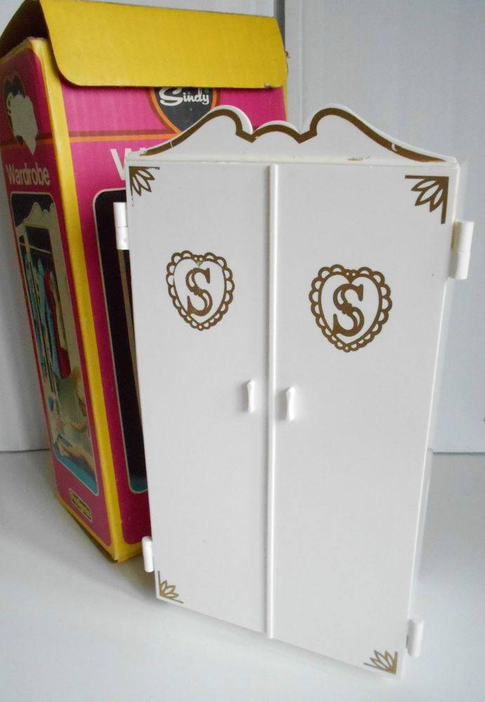 Sindy Doll Sindy House Vintage Sindy Wardrobe and Coathangers