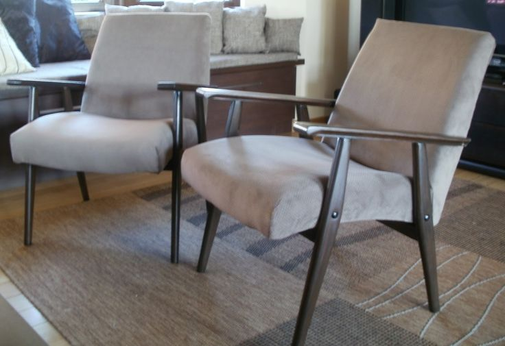 Kolejna metamorfoza mebli zPRL. Niestety nie wiem co to za fotele. Jak będzie widać na jednym zdjęciu poniżej miały tylko szczątki metki. ...