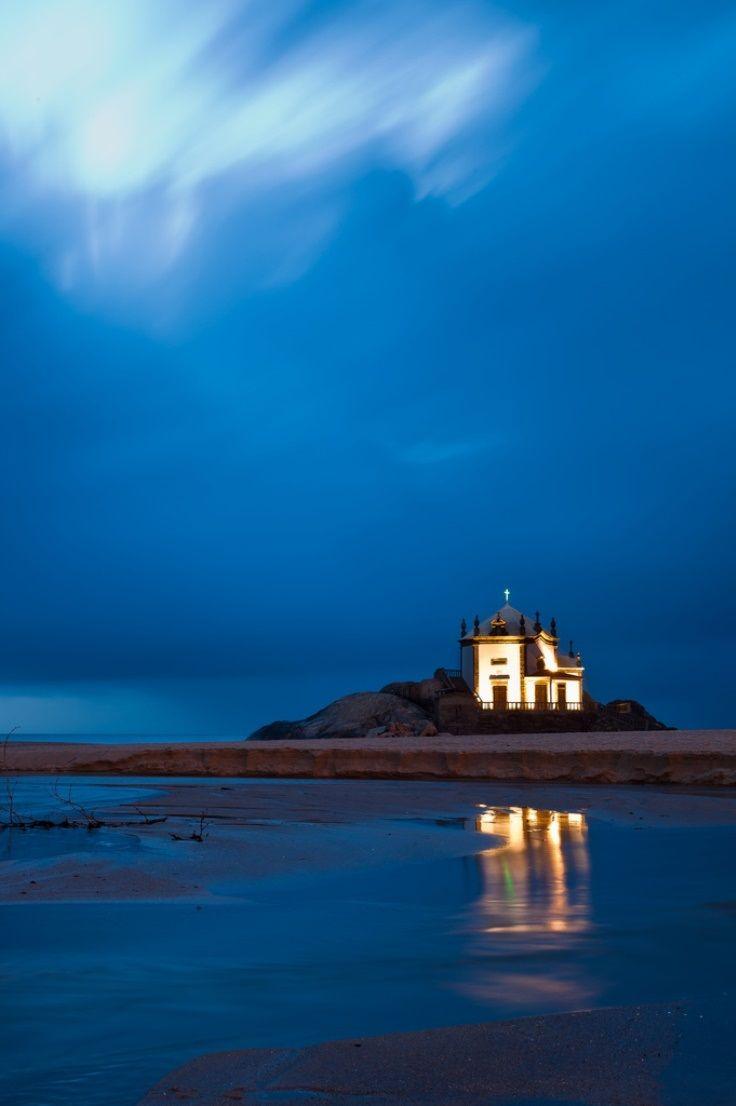 Senhor da Pedra chapel, in the beach #Porto city, #Portugal Read more in : ENJOY PORTUGAL WEBSITE www.enjoyportugal.eu/porto.html #Portugal