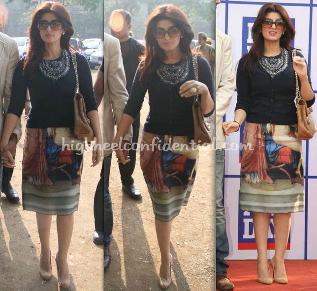 Twinkle Khanna - luv the bold necklace