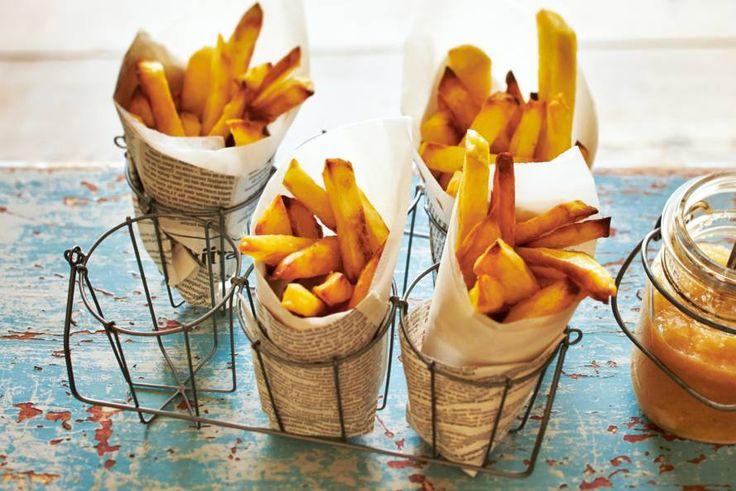 29 juli - Aardappelen in de bonus - Vrijdag frietdag! Zelf frietjes maken? Bak ze lekker makkelijk in de oven - Recept - Allerhande