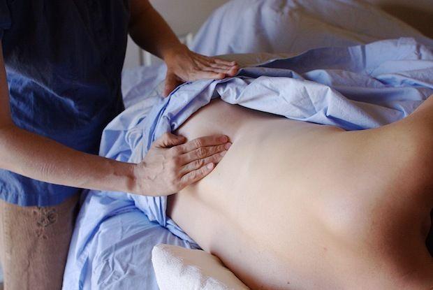 Gérer la douleur des contractions pendant l'accouchement
