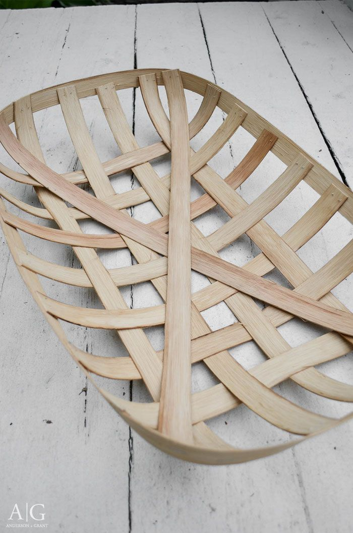 Learn how to make a reproduction tobacco basket that will fit in with your farmhouse or country style decor.