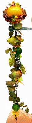 Apelsin, citron, äpple och lime. Solboll (craspedia) chrysanthemum http://holmsundsblommor.blogspot.se/2012/11/brudbukett-med-vitaminer.html 121114