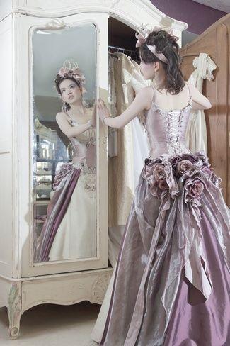 {Immagika} Wedding Gown Petit Fours