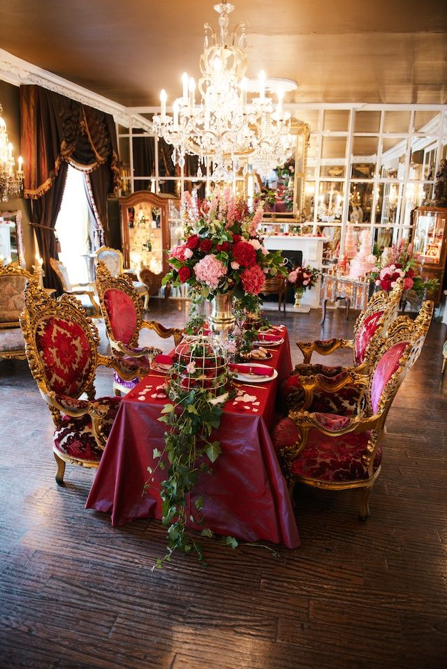 Baroque inspired wedding reception | Kate Nielen Photography, Styled by Jemma-Jade Events and Elizabeth's Cake Emporium | see more on: http://burnettsboards.com/2014/09/lavish-wedding-cakes/