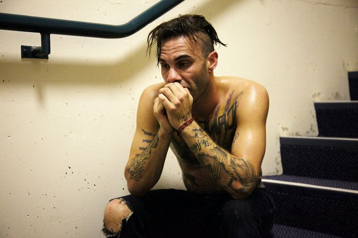 """Jason Aalon Butler of Letlive. When he does his quiet like this, there is noway you can compare himto any other dam pop or overly comercialized """"band"""" and say he's just a show."""
