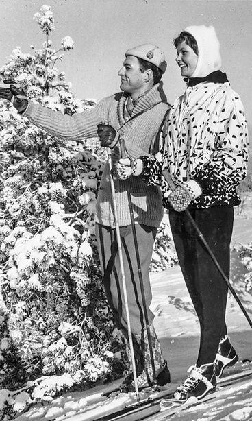 Suomalaisia hiihtäjiä 1950-luvulta. Copyright: The Finnish Museum of Photography