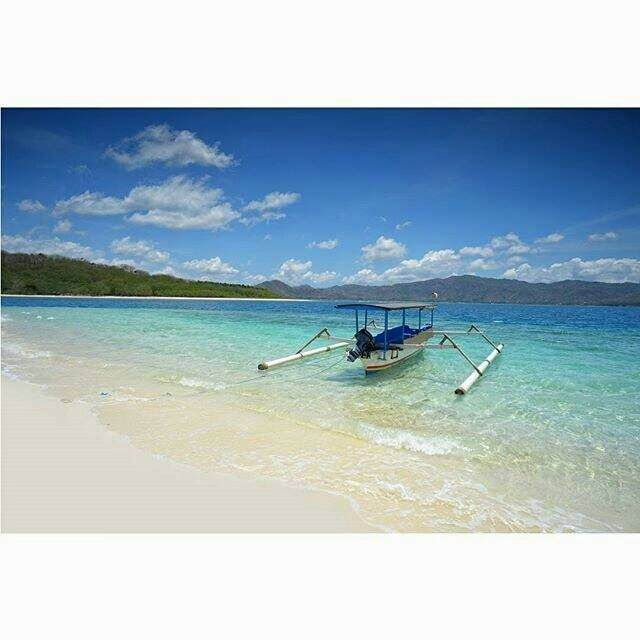 Gili Layar, Lombok Barat  https://www.facebook.com/lombok.friendly/photos/a.10153406382900983.1073741826.343324185982/10153406501575983/?type=3&theater