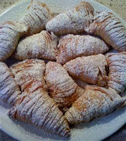 Sfogliatelle – The Pastry Beyond Time. Le sfogliatelle abruzzesi. Love these.