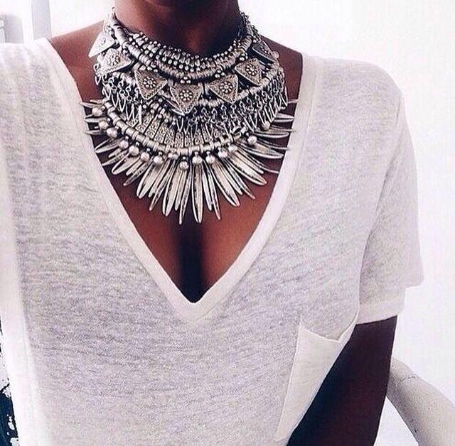 boho, feathers + gypsy spirit, jewellery, accessories, white T-shirt, fashion, style, treend