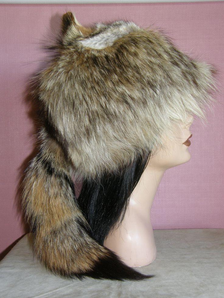 Coyote fur hat.. Chapeau de fourrure. mountain man.