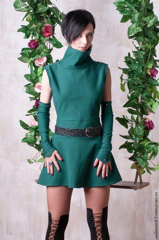 Купить или заказать Платье-комплект Green Elf в интернет-магазине на Ярмарке Мастеров. Клевый,оригинальный комплект,состоящий из короткого платья-туники с воротом и рукавов-перчаток.Прекрасно смотрится с плотными колготами или леггинсами. Отделка люверсами по плечам. Ремень в стоимость не входит,можно заказать отдельно. ...Идеальное решение для выходного дня, рок-концерта или вечеринки в кругу друзей!