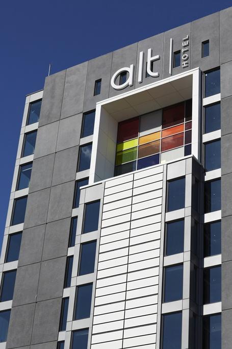 LEMAYMICHAUD | ALT | Toronto | Pearson Airport | Architecture | Design | Hospitality | Hotel | Signage | Exterior |