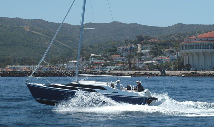 World's best sailing trailerable sailboat MACGREGOR 26