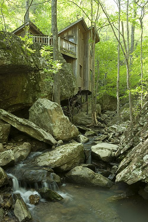 Best 25 mountain cabins ideas on pinterest cabins and for Cabin builders in arkansas