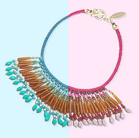 Never forget to add some color, especially when combined with the trend of the moment: fringes! #pennyblack #necklace #style #fashion #mood #pink or #blue ?