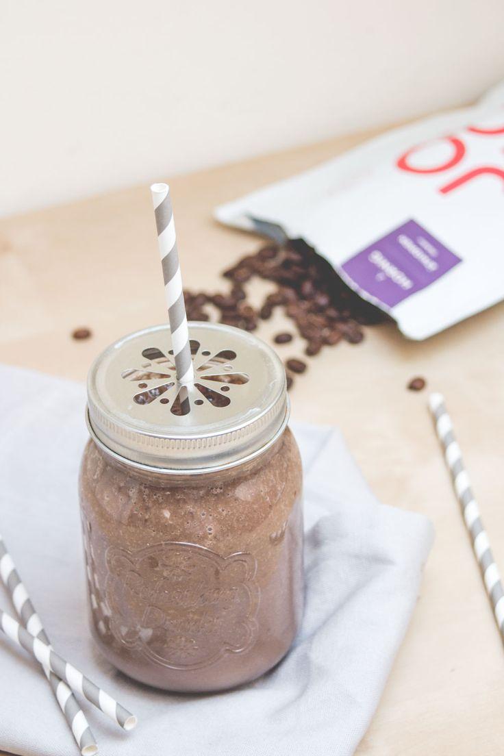 Maca Smoothie - der Energy Booster mit Bananen, Datteln & Kaffee   www.juyogi.com