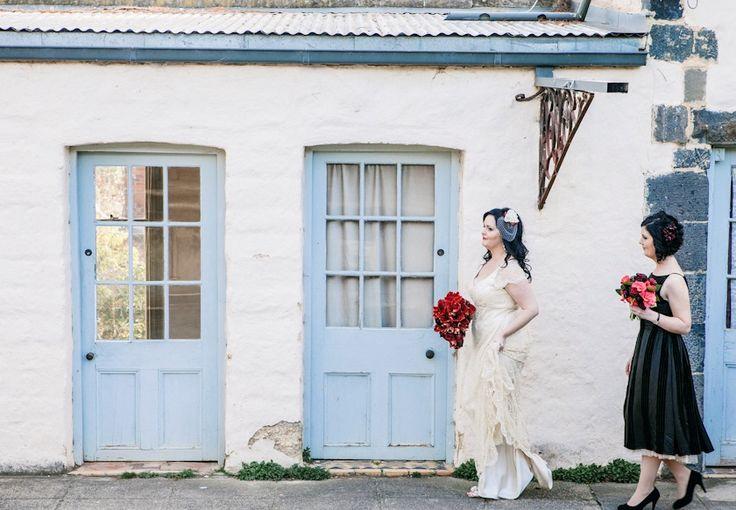 Montsalvat Wedding #montsalvat #melbournewedding #weddingphotography #weddingphotographer #springwedding #wedding