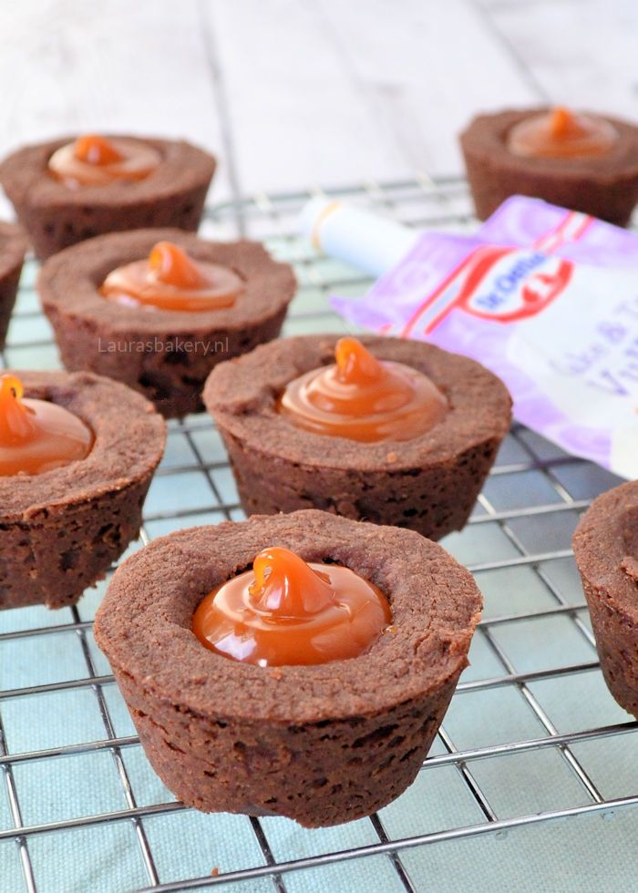 chocolade-cookie-cups-met-salted-caramel-1a