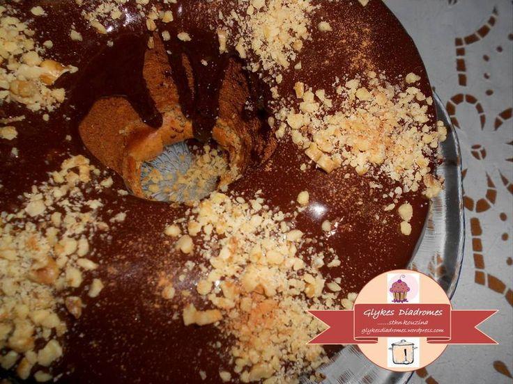 Banana chocolate chunk cake / glykesdiadromes.wordpress.com