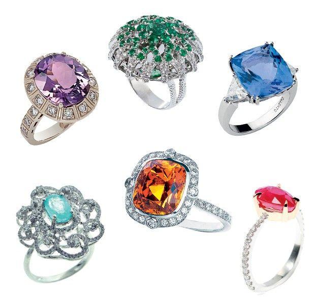 Pedras com cores diferentes deixam o anel de noivado personalizado e muito luxuoso (Foto: )