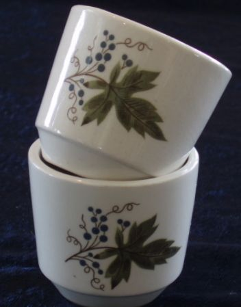Crown Lynn Vintage pattern egg cup www.vintagetreasure.co.nz