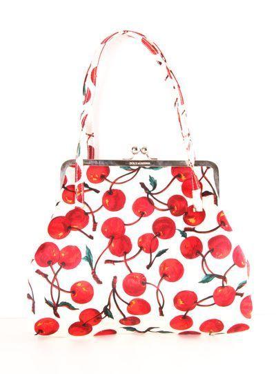 Pinup Fashion: white bag with cherry print