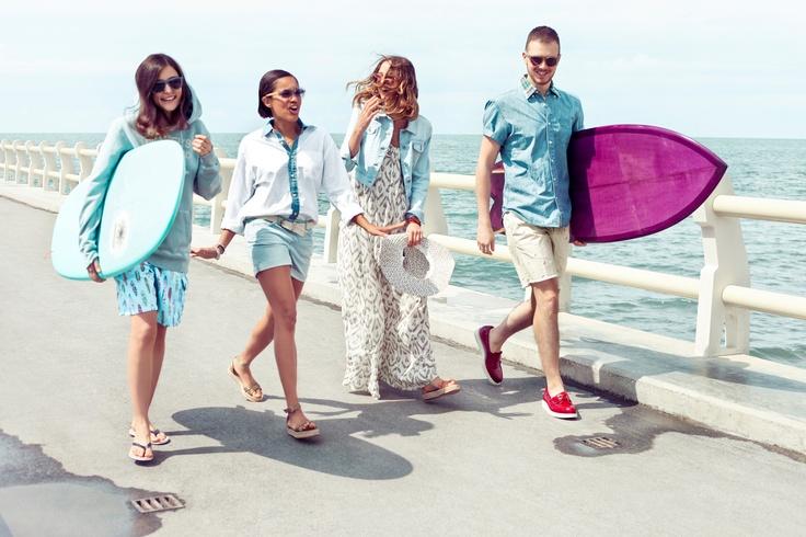 Felpa e bermuda Eleonora, camicia Tamu, occhiali Candela Candela, camicia e bermuda Andrea: Surf Shack capsule collection #SurfShack