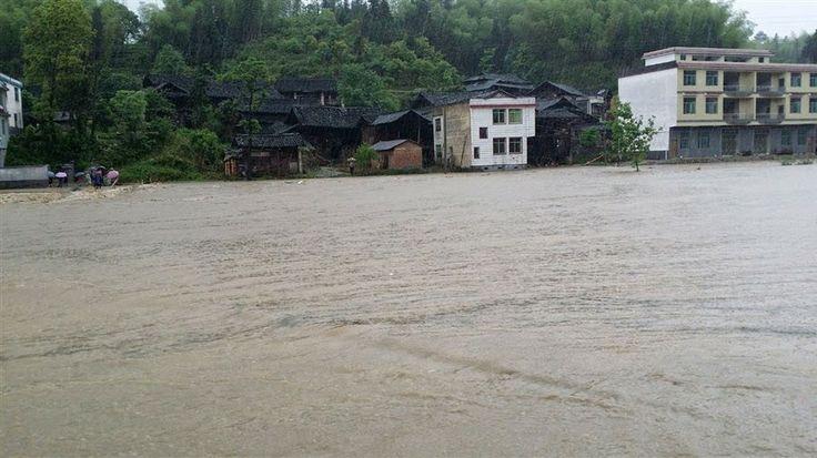 Rain-triggered Landslide Kills 1 In China, 10,000 Evacuated ~ Universal Science Compendium