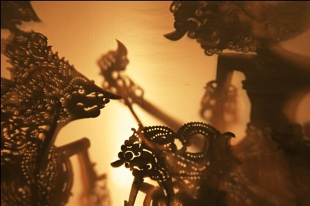 #Javanese #wayang kulit (shadow puppet) performanced by a Dalang (puppet master), is usually a whole night long. #Indonesia
