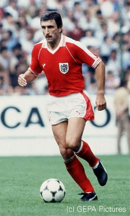 Today, 14.2.2013, the Austrian soccer legend Hans Krankl is 60!!!!! Happy Birthday!  :-)