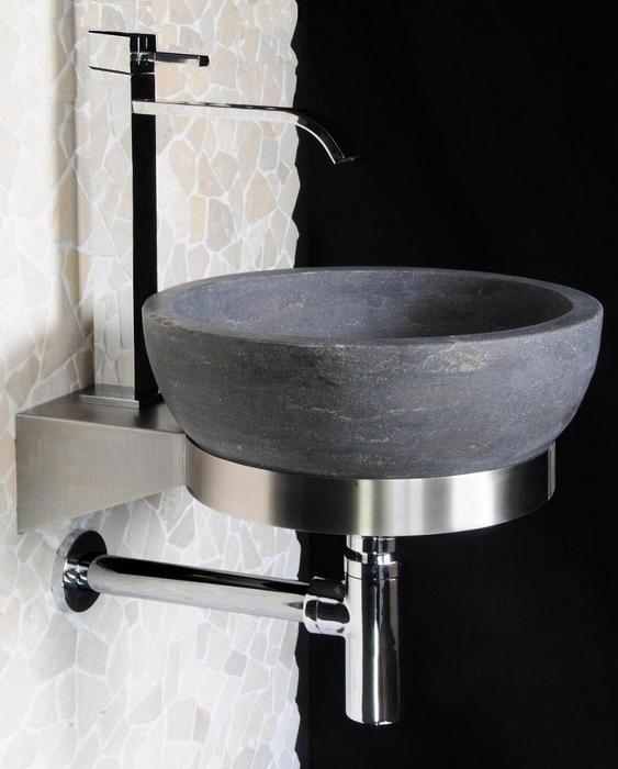 € 129,- Lambini Designs B-stone RVS ring 35cm - rvs Deze ring wordt rechtstreeks aan de wand bevestigd. Hierin kunt u de waskom B-stone grey atlas 1 in leggen. Zie de toebehoren. #RVS #hardsteen #natuursteen #wastafel