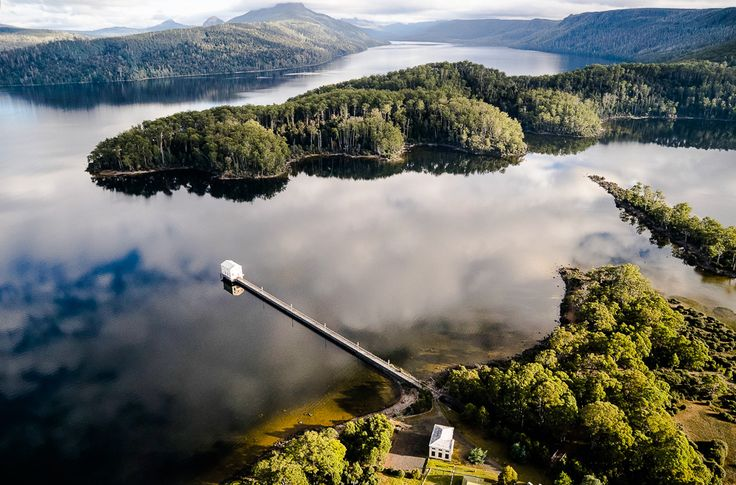 Pumphouse Point – Tasmanian Wilderness Retreat – Lake St Clair I'm not am outdoor person but this sure looks relaxing in such a beautiful setting.