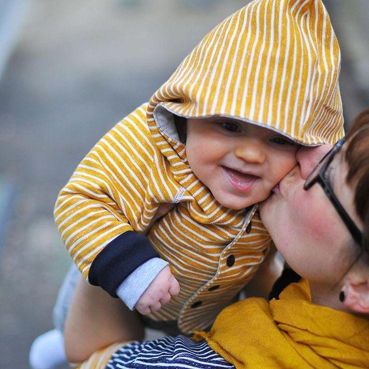 Im Blog: #yellowskyjacke und #fraukarla aus #strick von #nosh  #linkimprofil #stoffbüro #schönerstofffürschönedinge #ichliebenähen #nähen #sewing #jacke #oberteil #baby #oktoberkind #oktoberbaby2015 #oktoberbaby #babyboy #schnittreif #schnittmuster #gelb #organiccotton #bio #ichnähbio @stoffbuero @noshorganics