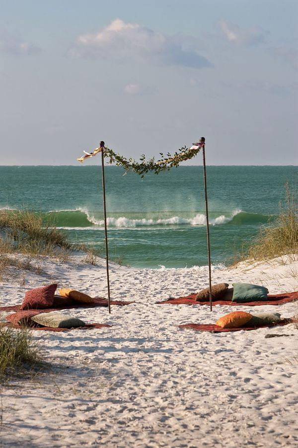 beach ceremony - blankets