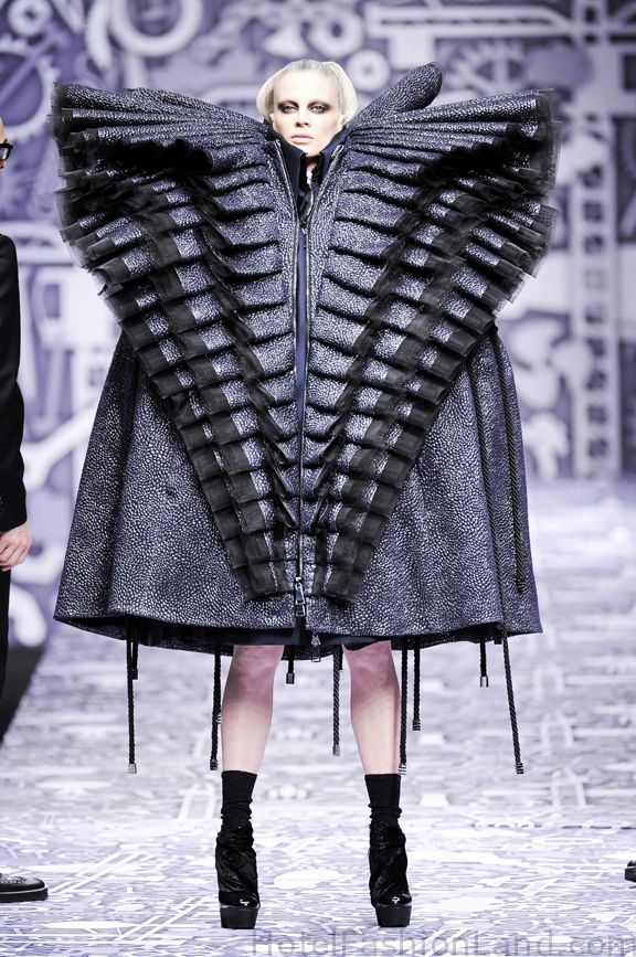 325 best bizarre runway looks and crazy costumes images on for Xuming haute couture