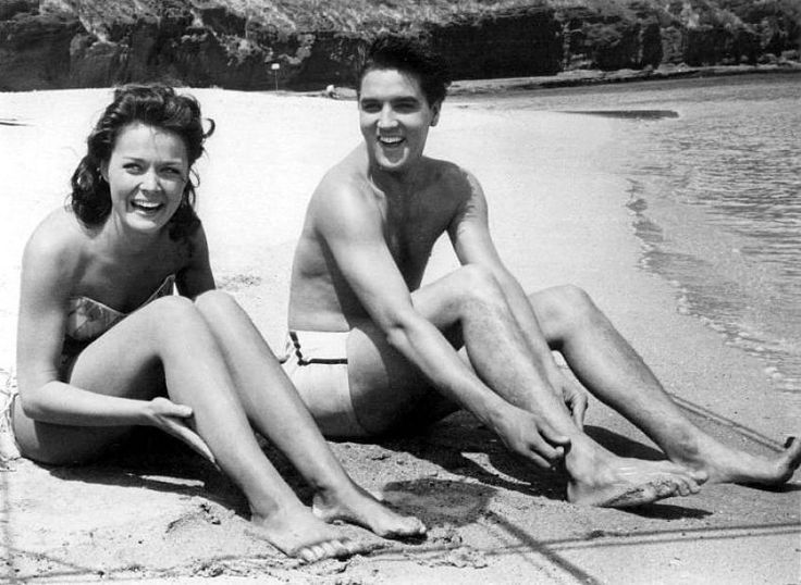 Joan Blackman and Elvis PresleyElvis Music, Elvis Videos, Blue Hawaii, Hawaiian Sunsets, Dear Elvis, Joan Blackman, Elvis Presley, King, Bluehawaii