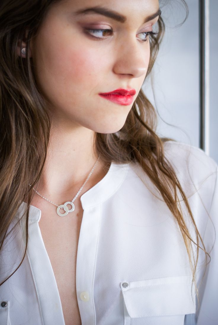 Naszyjnik z kółeczkami - minimalistyczna biżuteria. Must-have tego sezonu.