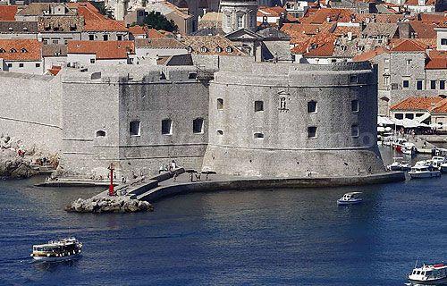 A Szent Ivan erőd védte Dubrovnik kikötőjét. Ma a Horvát Tengerészeti Múzeum működik itt. #dubrovnik #erőd #látnivaló
