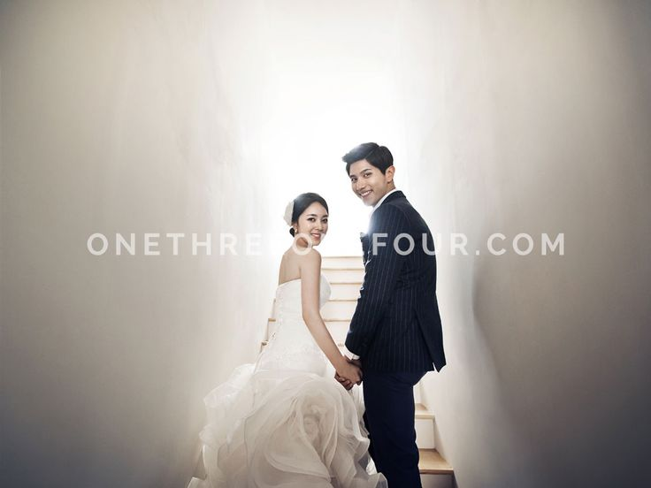 White | Korean Pre-wedding Photography by Pium Studio on OneThreeOneFour 11
