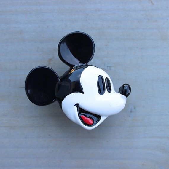 I Love How Mickey Mouse Is Flipping Everyone Off! | Ridiculously Fantastic  | Pinterest | Mickey Mouse