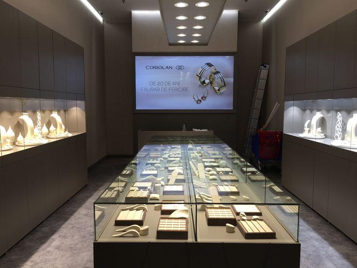 Noul Magazin de bijuterii, inele de logodna si verighete Coriolan Carrefour Felicia Iasi - http://www.coriolan.ro/contact.html