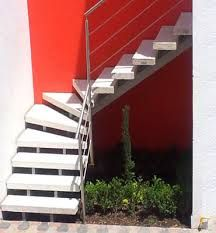 25 best ideas about escaleras para espacios reducidos on Disenos de escaleras en espacios reducidos