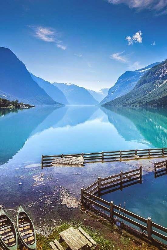 Lago Lovatnet, Noruega